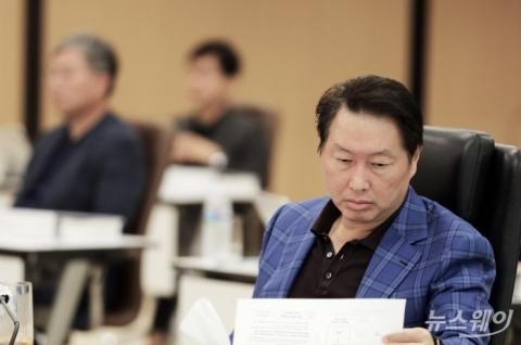 지분 투자부터 배터리 공동개발까지···최태원 SK 모빌리티 '가속페달'