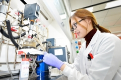 LG화학, '바이오함량 100%' 세계 최초 생분해성 신소재 개발