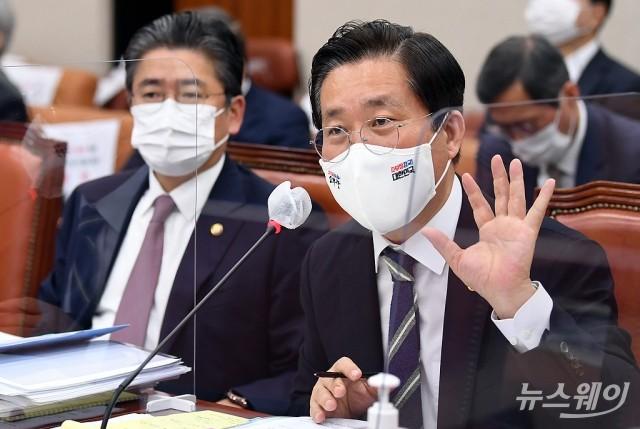 """성윤모, CO2 포집·저장 실증현장 방문…""""탄소중립 핵심"""""""