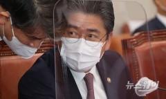 [He is]한국전력 21대 신임 사장 정승일···무역·에너지통