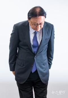 고개 숙인 박근희 CJ대한통운 대표, '택배기사 보호책' 현실성 지적도(종합)