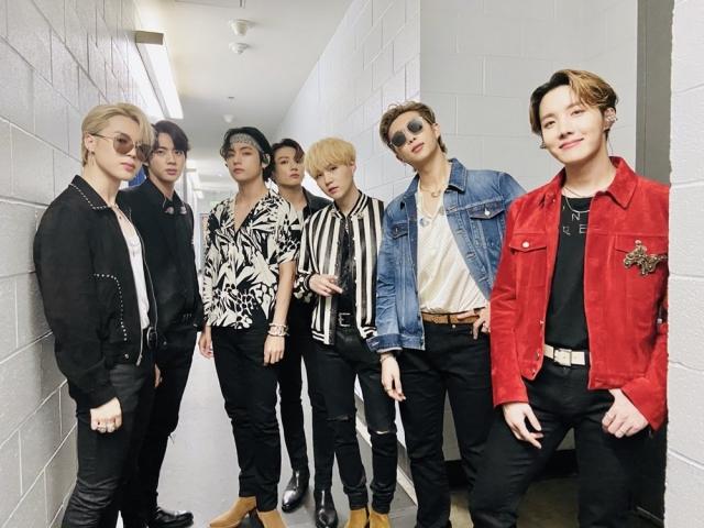 방탄소년단, 한국어 곡으로 빌보드 싱글차트 첫 정상