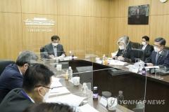 """靑 """"평화 진전 공백 없도록 한미 협력""""… 美 대선 관련 논의"""