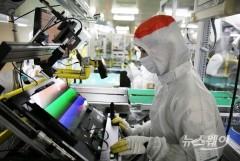 삼성디스플레이, 노트북 OLED 판매량 5배 늘린다
