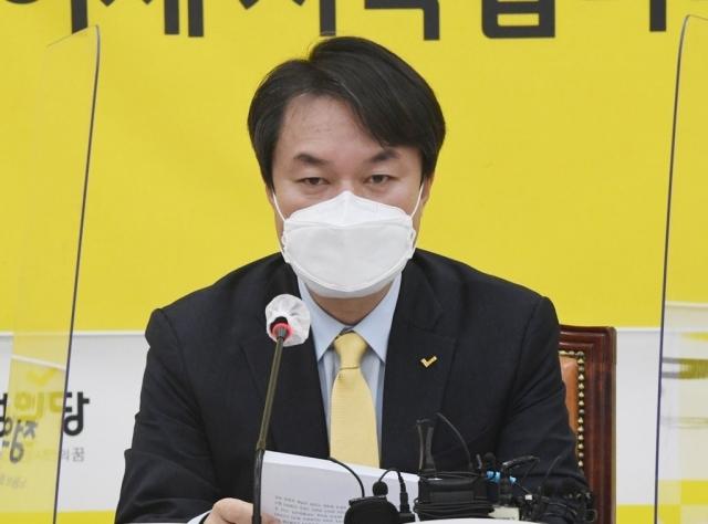 """정의당, 재정정책 우려한 홍남기 겨냥해 """"교체 염두해야"""""""