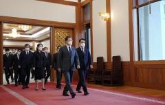 문 대통령, 김진욱 공수처장에게 중립성·독립성 강조