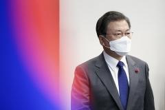 문 대통령 국정 수행 지지도 37%…또 다시 최저치 기록