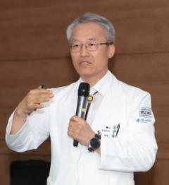 영남대병원 김성호 병원장, '장애심사 안정화 공로' 장관 표창