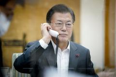 문 대통령, 시진핑과 통화…방한 포함 고위급 소통·협력 약속