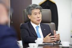[재산공개]윤종원 중소기업은행장, 29억9454만원 신고···전년비 2억8179만원↑
