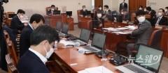 국토부, '가덕도공항' 반기…당정 갈등 새 불씨