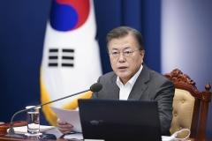 문 대통령, 오세훈 서울시장에게 축하 난과 메시지 전달