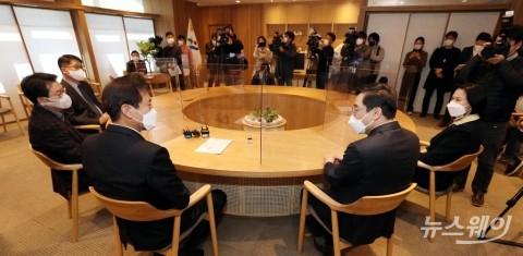 [NW포토]오세훈 서울시장, 구청장협의회와 상견례