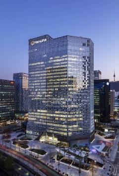 한화그룹 본사 사옥, 세계 최고 권위 건축상···친환경 태양광 빌딩 인정