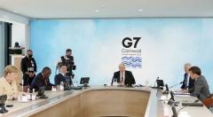 G7 정상회의 마친 문 대통령, 정상들에 韓 '탄소중립' 계획 소개