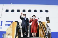 오스트리아 일정 마친 문 대통령···17일 까지 스페인 국빈방문