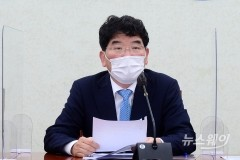 [NW포토]발언하는 더불어민주당 박완주 정책위의장