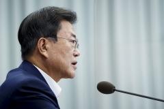 문 대통령 지지율 41.3%···20·50대 중심으로 긍정평가 상승