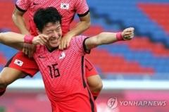 황의조 후반 7분 패널티킥 성공 이어 김진야도 '골'···5-0으로 8강 진출 확실시