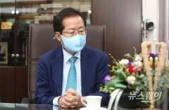 """홍준표, 윤석열 '당 해체' 발언에 """"맞수 토론 때 그냥 안 둘 것"""""""
