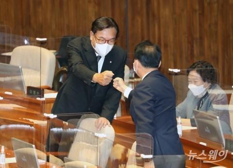 [NW포토]국회 부의장 단독 입후보한 국민의힘 정진석 의원