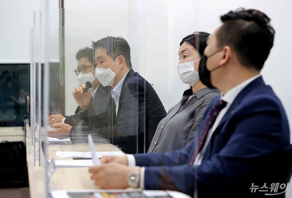 [NW포토]특금법으로 인한 실명계좌발급의 어려움 말하는 거래소 대표들