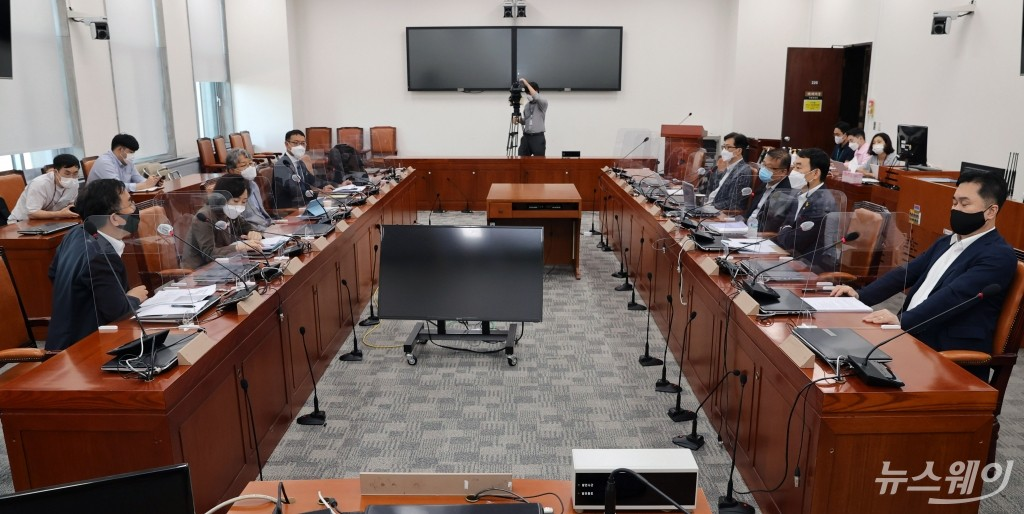[NW포토]언론중재법 개정안 여야 협의체 5차 회의