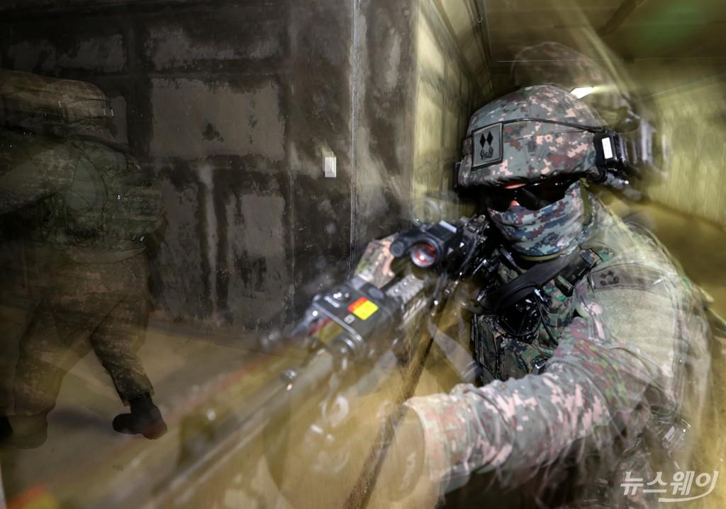 [NW포토]워리어 플랫폼 활용한 전투 시연