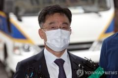 """화천대유 대주주 김만배 """"정치권 로비 없었다"""""""