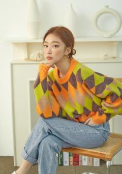 베리스토어, 가수 소야 '싱어게인' 무대의상 럭키박스 공개