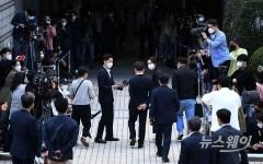 '대장동 의혹 키맨' 남욱, 18일 귀국···檢, 피의자 소환