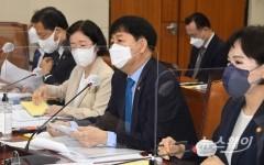 [NW포토]종합국감 출석해 답변하는 구윤철 국무조정실장