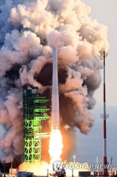 누리호, 정상비행 성공···위성 궤도안착엔 실패