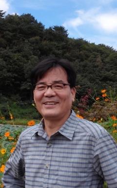 LG, '진주 슈바이처' 故이영곤 원장 등 4명 의인상 수여